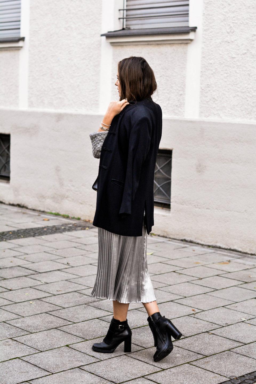 olivia julietta german fashion blog plisses skirt silver long tall sally clothing