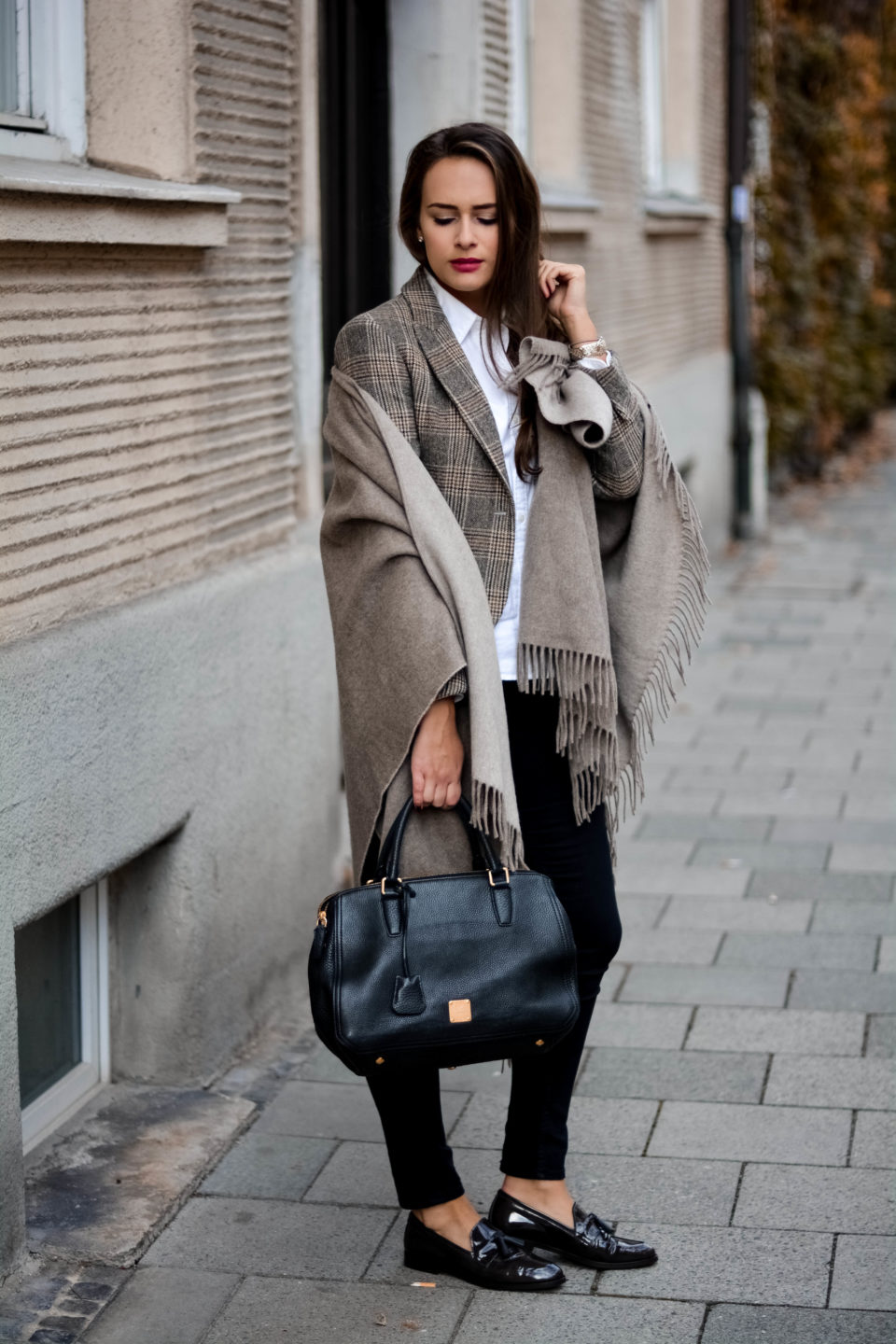 olivia julietta mcm bag german fashion blog gant poncho gant shoes footwear