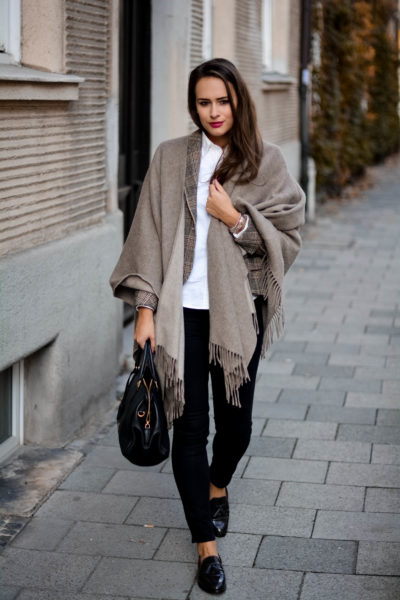 gant loafer poncho mit Fransen aus Wolle mcm handtasche olivia julietta german blogger fashion blog münchen