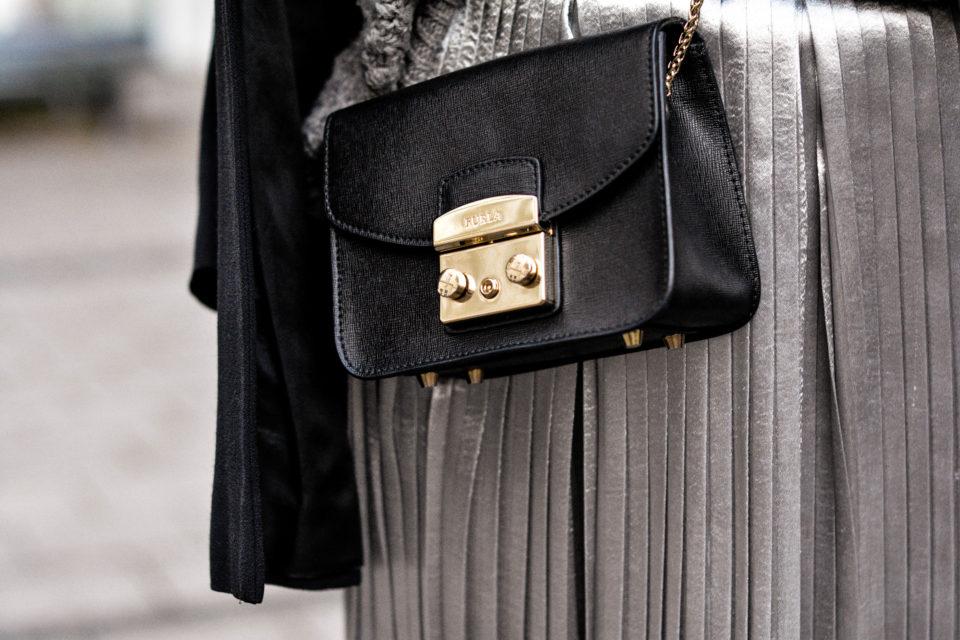 furla metropolis schwarz ledertasche Plissee rock plissee skirt fashion blog deutschland