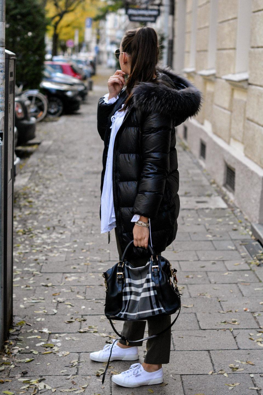 olivia julietta fashion blog aus münchen mode blog deutschland winterjacke mit pelzkragen