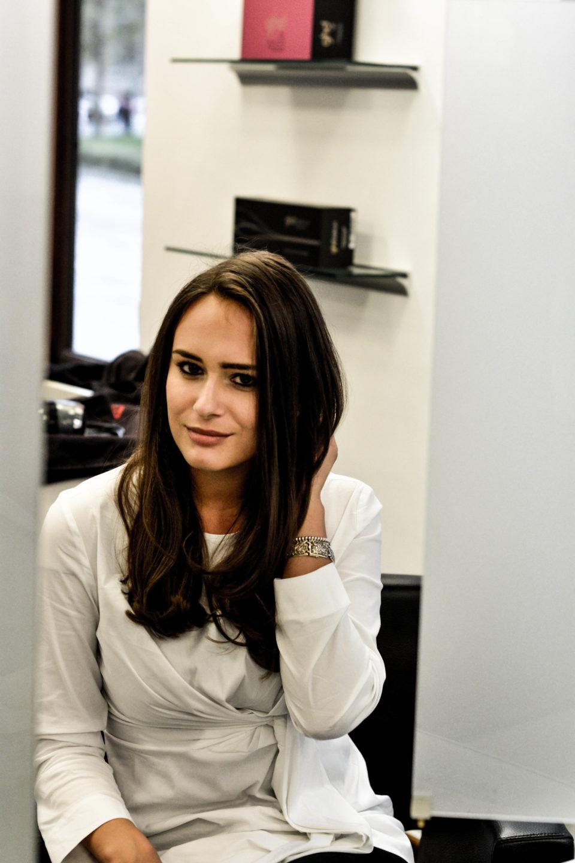 olivia julietta mode blog münchen haartrend braune lange haare frisur stufenschnitt