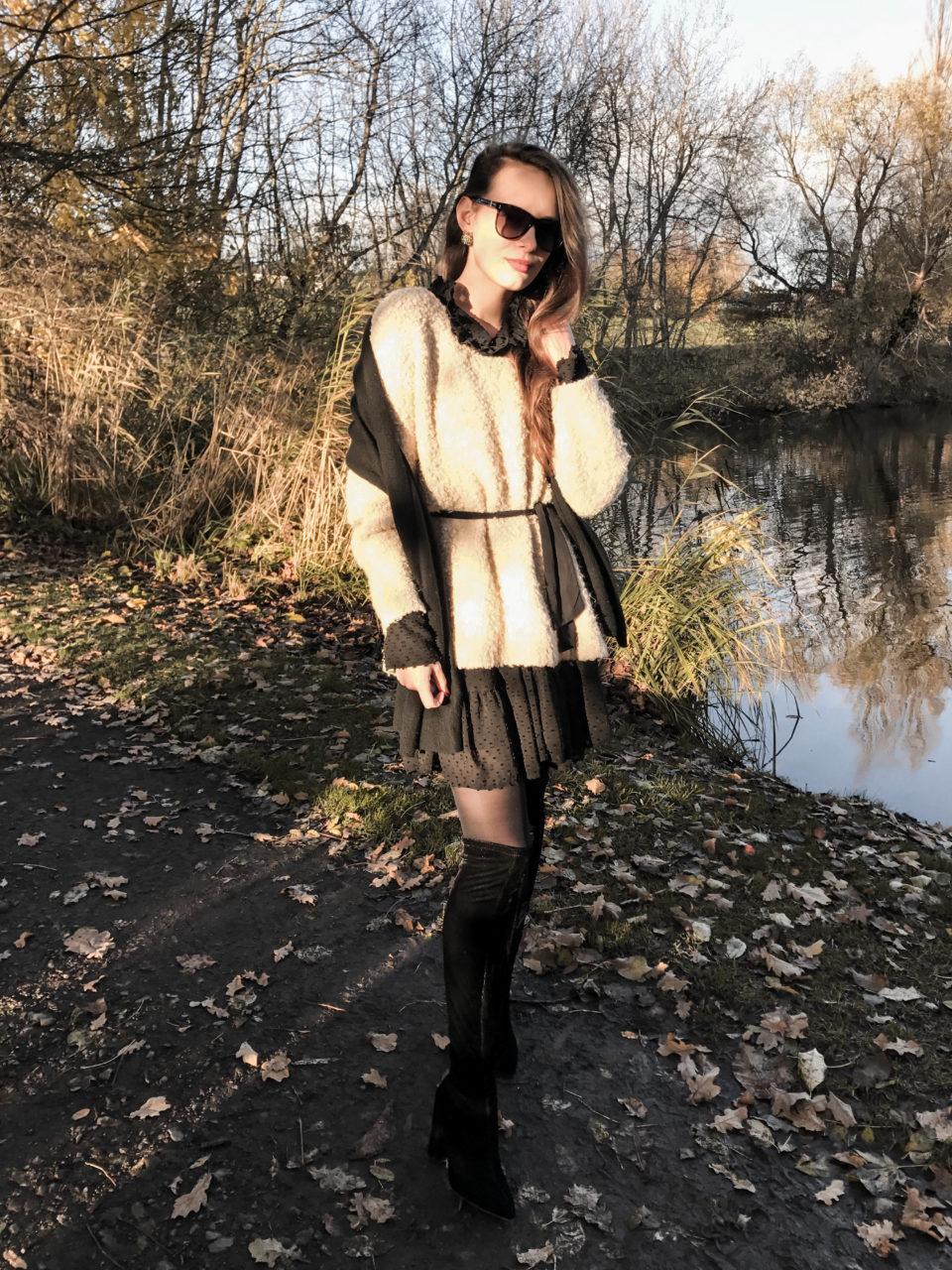Herbstlook, overknees, fashionblogger, fashionblogger münchen, herbsttrend, schwarze Sonnenbrille, das kleine schwarze, schwarze samtstiefel